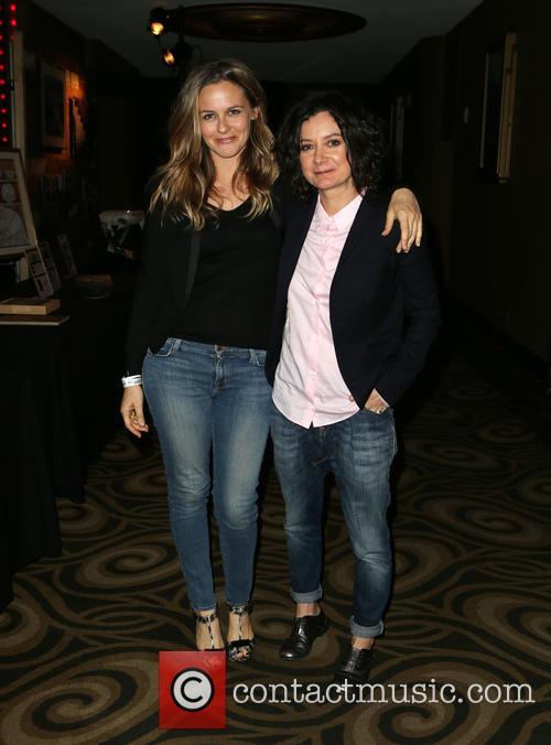 Alicia Silverstone and Sara Gilbert 5