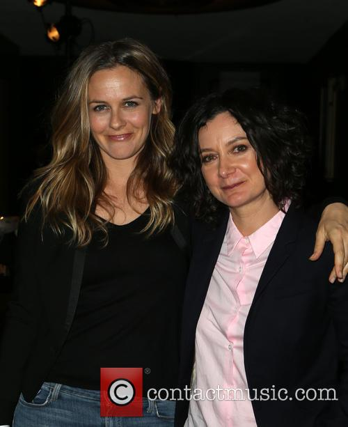 Alicia Silverstone and Sara Gilbert 7