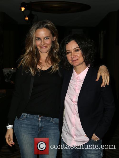 Alicia Silverstone and Sara Gilbert 8