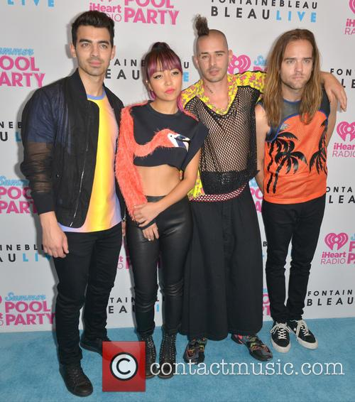 Joe Jonas, Jinjoo Lee, Cole Whittle, Jack Lawless and Dnce 2