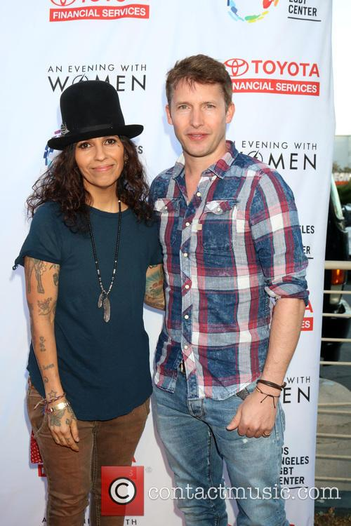 Linda Perry and James Blunt 4