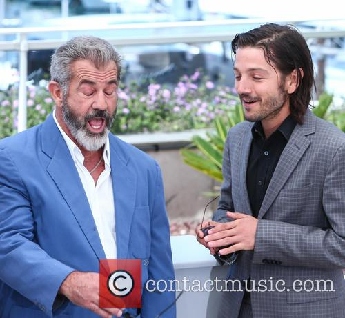Mel Gibson and Diego Luna 6