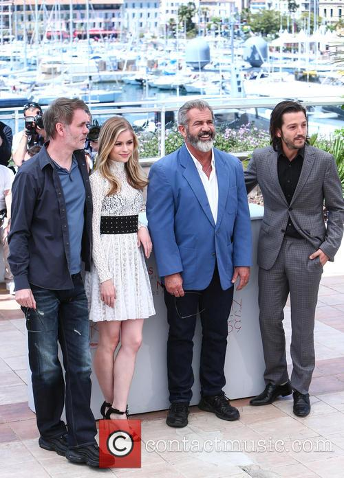 Jean-francois Richet, Erin Moriarty and Mel Gibson 2