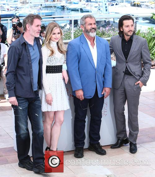 Jean-francois Richet, Erin Moriarty and Mel Gibson 3