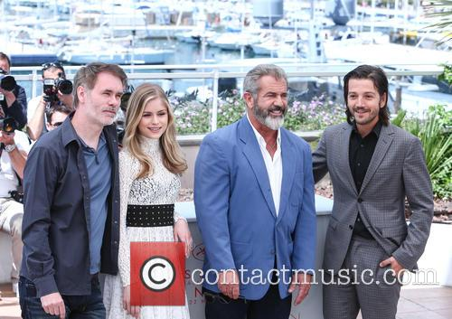 Jean-francois Richet, Erin Moriarty, Mel Gibson and Diego Luna 4