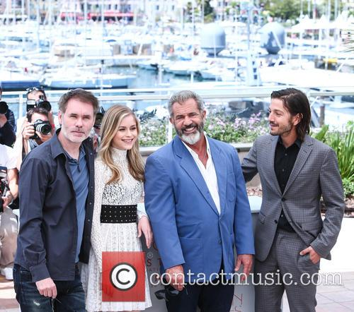 Jean-francois Richet, Erin Moriarty, Mel Gibson and Diego Luna 6