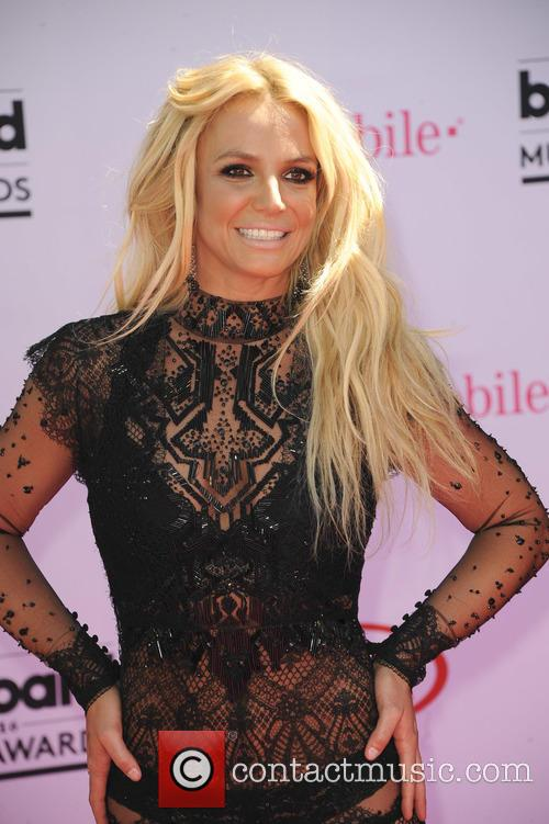 Britney Spears Forgets That She's Met Taylor Swift Twice