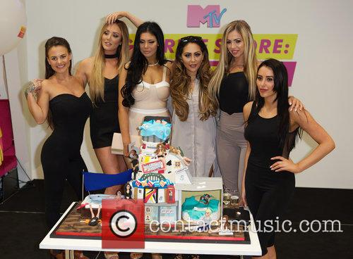 Charlotte Crosby, Holly Hagan, Chloe Etherington, Chantelle Connelly, Marnie Simpson and Sophie Kasaei 4