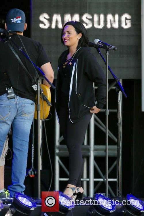 Demi Lovato and Brad Paisley 2