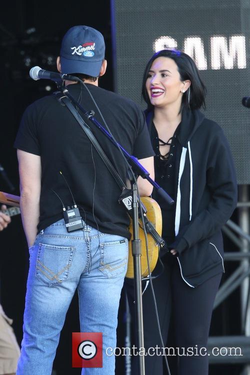 Demi Lovato and Brad Paisley 4