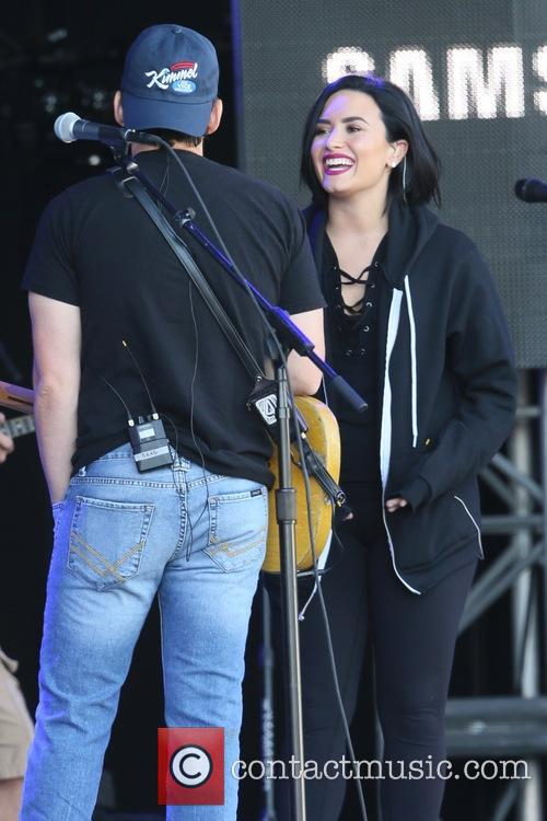Demi Lovato and Brad Paisley 5