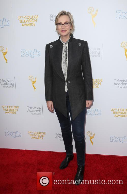 Jane Lynch 8