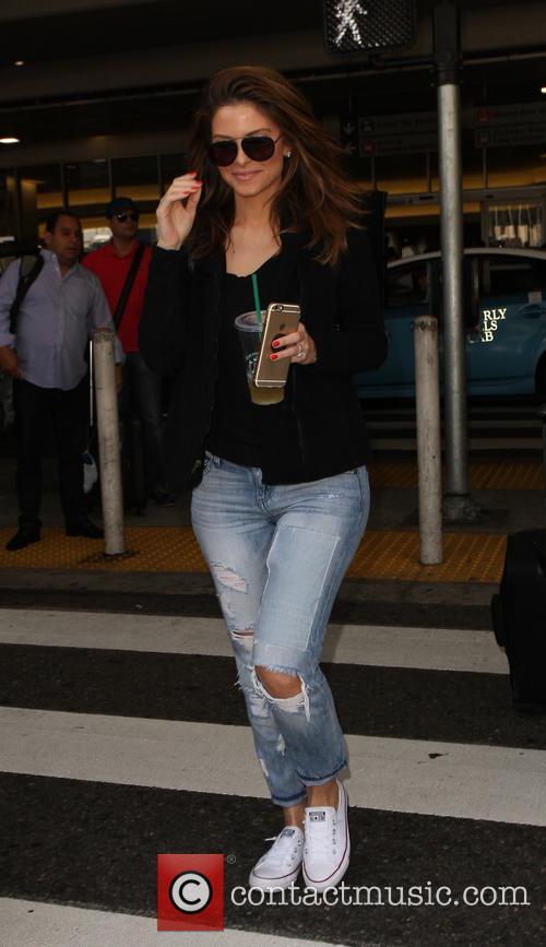 Maria Menounos at Los Angeles International Airport