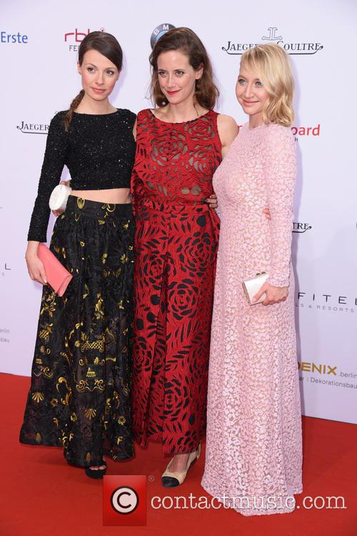 Julia Hartmann, Anja Knauer and Anna Maria Muehe 3