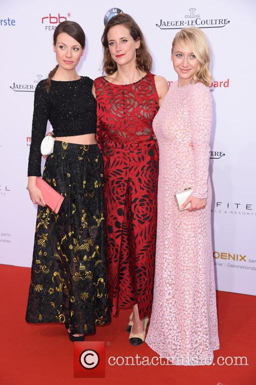 Julia Hartmann, Anja Knauer and Anna Maria Muehe 4