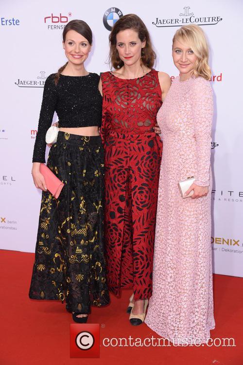 Julia Hartmann, Anja Knauer and Anna Maria Muehe 5