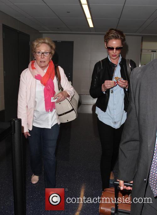 Katherine Heigl and Nancy Heigl 6
