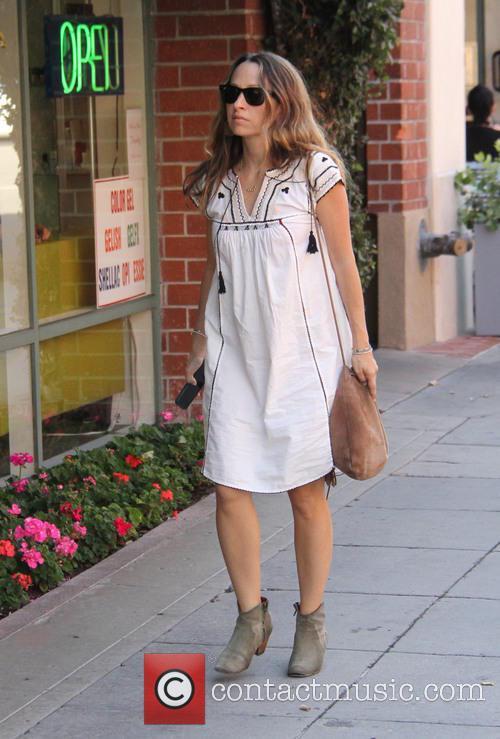 Jennifer Meyer goes shopping at Jill Roberts