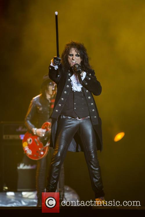 Alice Cooper and Hollywood Vampires 6