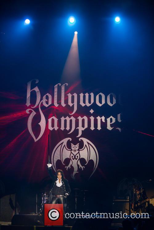 Alice Cooper and Hollywood Vampires 8