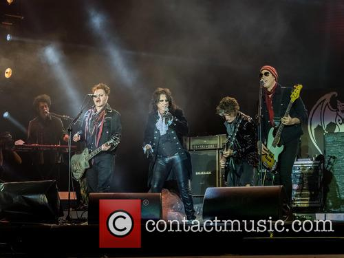 Alice Cooper, Johnny Depp, Joe Perry, Robert Deleo, Bruce Witkin and Hollywood Vampires 10