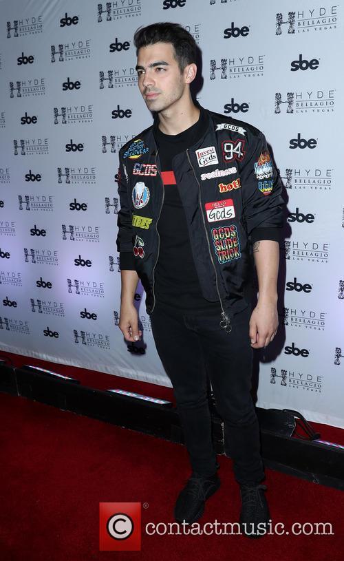 Joe Jonas 10