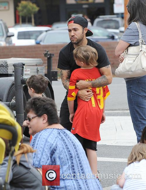 Pete Wentz and Bronx Wentz 4