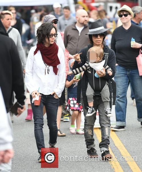 Sara Gilbert, Linda Perry and Rhodes Perry 2