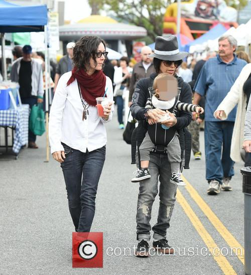 Sara Gilbert, Linda Perry and Rhodes Perry 11