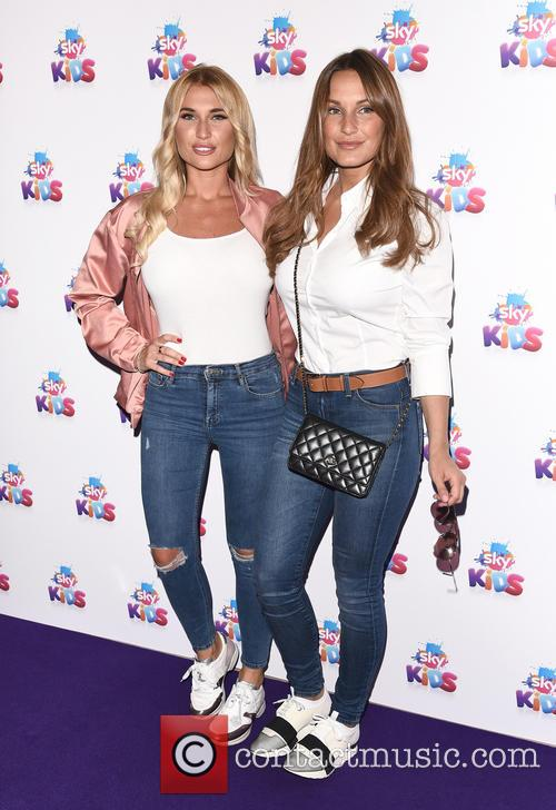 Billie Faiers and Sam Faiers 6