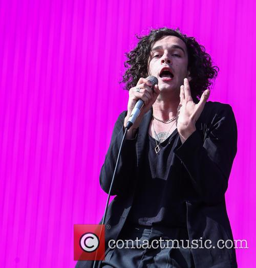 Matthew Healy and The 1975 2