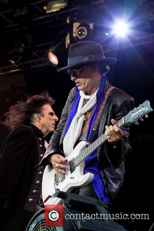 Alice Cooper, Joe Perry and Hollywood Vampires 8