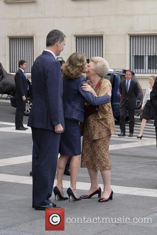 King Felipe Vi Of Spain, Queen Letizia Of Spain and Princess Beatrix Of The Netherlands 4