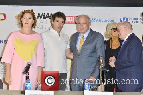 Agatha Ruiz De La Prada, Antonio Banderas, Tomas Regalado, Barbara Hulanicki and Dr. Eduardo Padron 1