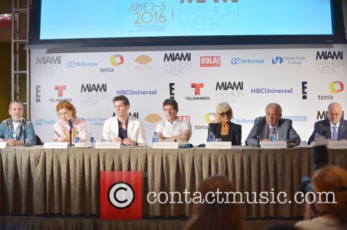Demo, Agatha Ruiz De La Prada, Julio Iranzo, Antonio Banderas, Tomas Regalado and Dr. Eduardo Padron 5