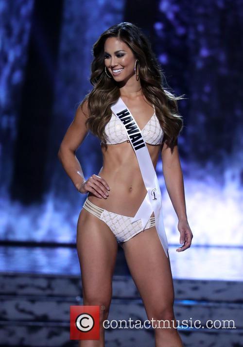 Miss Hawaii and Chelsea Hardin 3