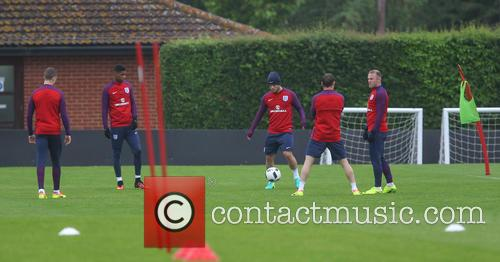 Jordan Henderson, Marcus Rashford, Jack Wilshire, James Milner and Wayne Rooney 1