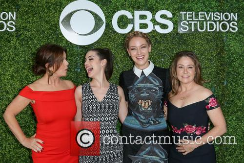 Marcia Gay Harden, Adelaide Kane, Rachel Skarsten and Megan Follows 8