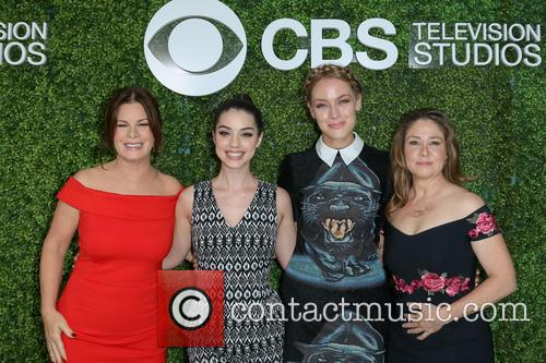 Marcia Gay Harden, Adelaide Kane, Rachel Skarsten and Megan Follows 9