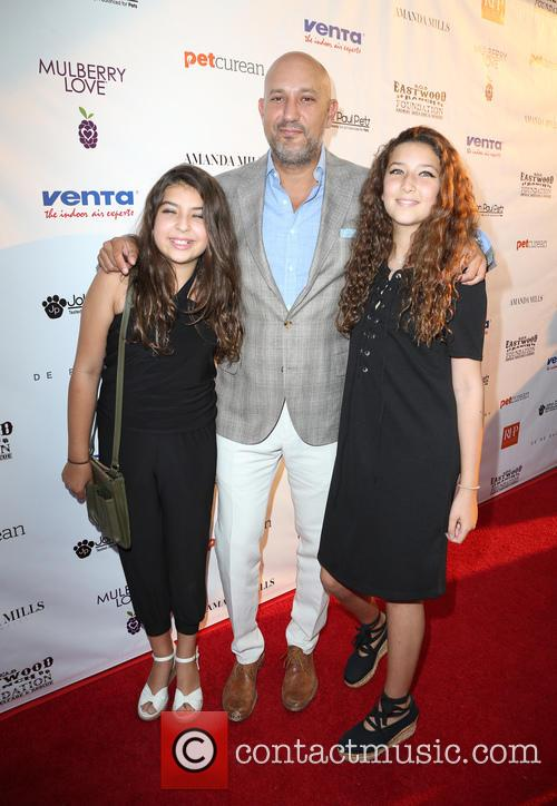 Jeff Wachtel and Daughters 11