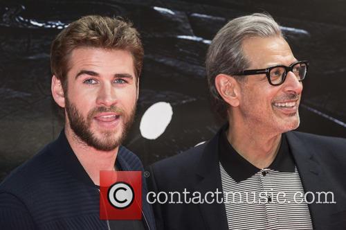 Liam Hemsworth and Jeff Goldblum 5