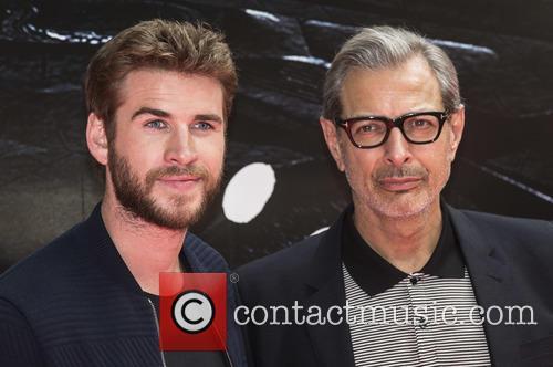 Liam Hemsworth and Jeff Goldblum 7