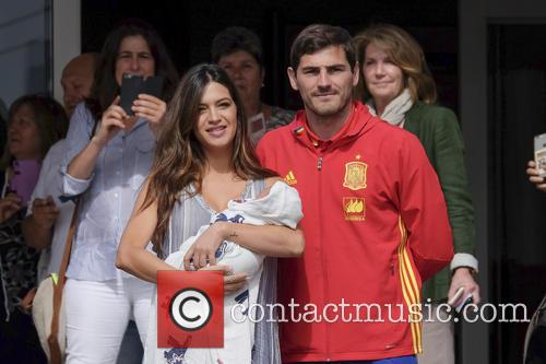 Iker Casillas and Sara Carbonero 8