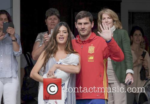 Iker Casillas and Sara Carbonero 10