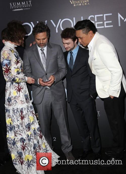 Lizzy Caplan, Mark Ruffalo, Daniel Radcliffe and Jon M. Chu 6