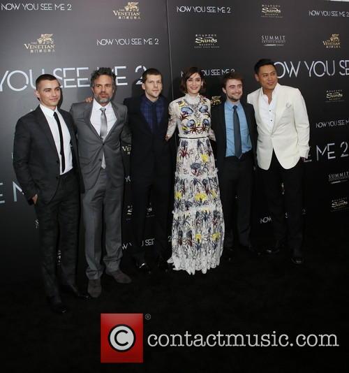 Dave Franco, Mark Ruffalo, Jesse Eisenberg, Lizzy Caplan, Daniel Radcliffe and Jon M. Chu 3
