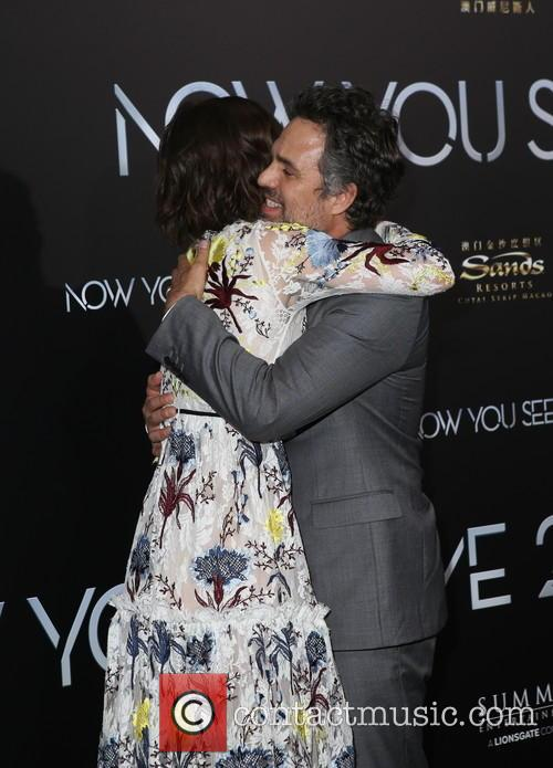 Lizzy Caplan and Mark Ruffalo 10