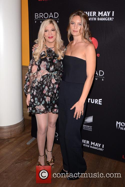 Tori Spelling and Leila George 10