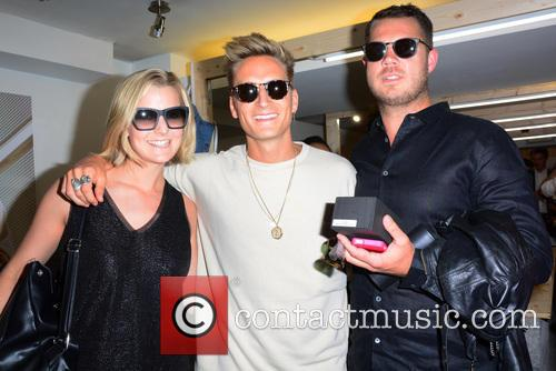 Jennie Harris, Oliver Proudlock and Guest 1