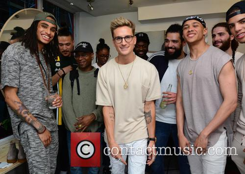 Oliver Proudlock and The Team 1
